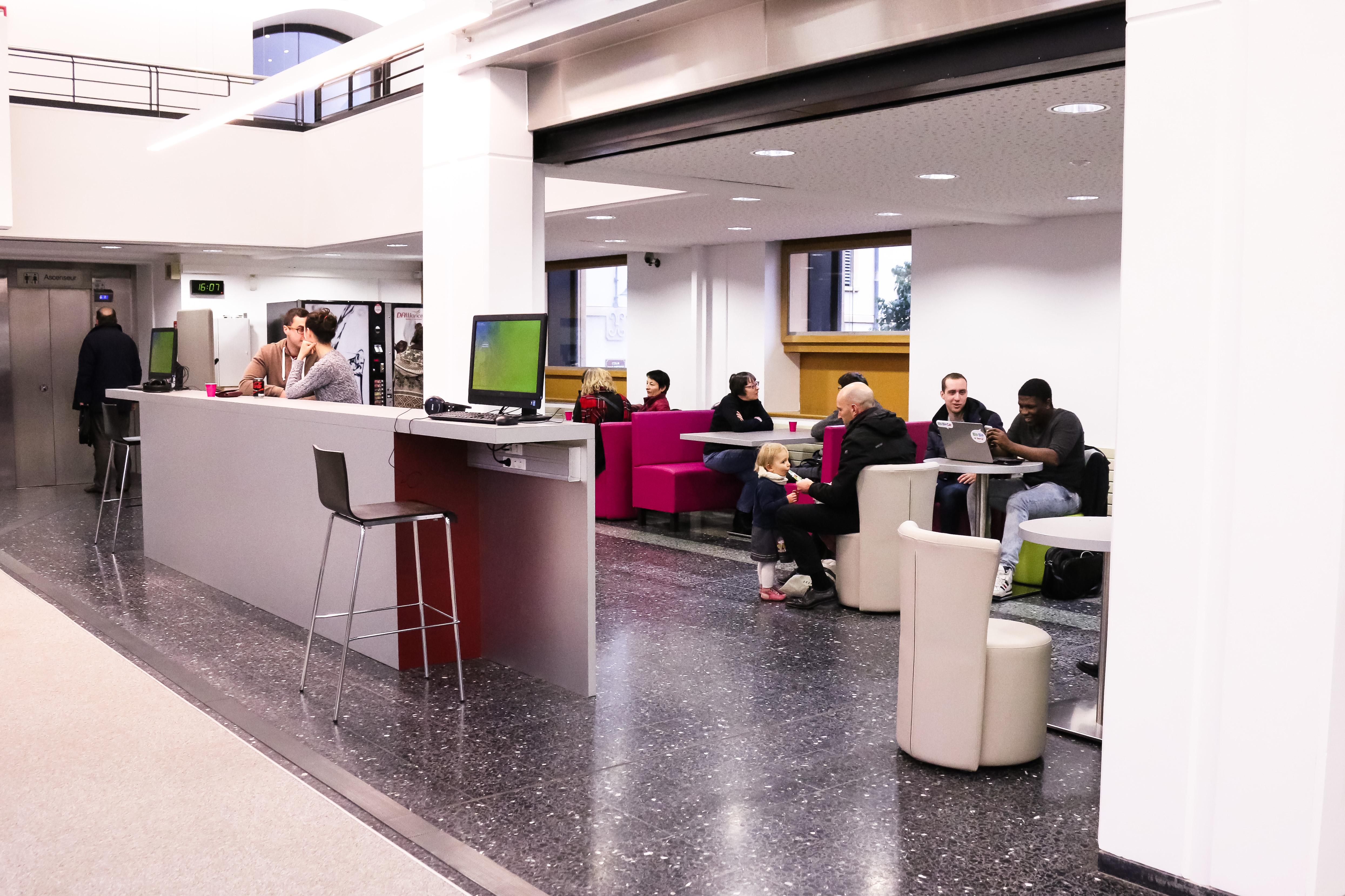 Médiathèque Manufacture : l'espace détente